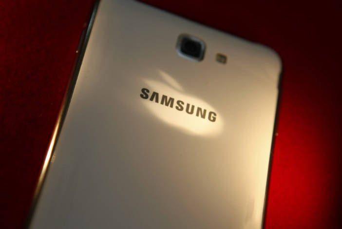 Android 4.4.4 KitKat Galaxy S5 LTE-A e Galaxy Mega 2