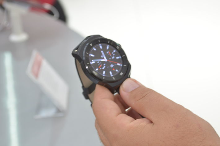 LG G Watch R hands on, análise, wereable, Mobile Bit