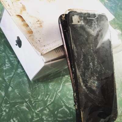 Surgiu o primeiro caso onde houve a explosão de um iPhone 7. (Foto: Divulgação/imgur)
