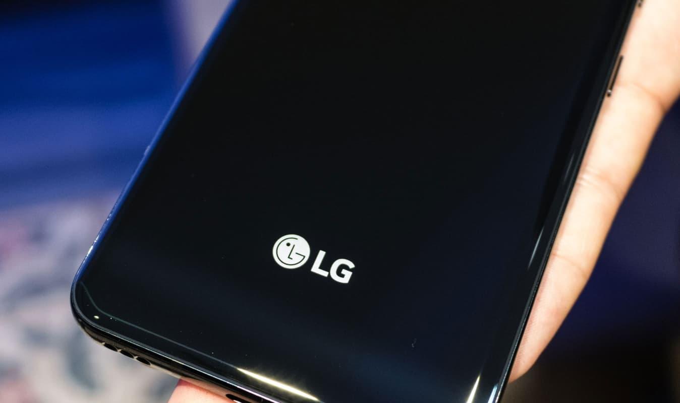 LG K61 parte traseira.