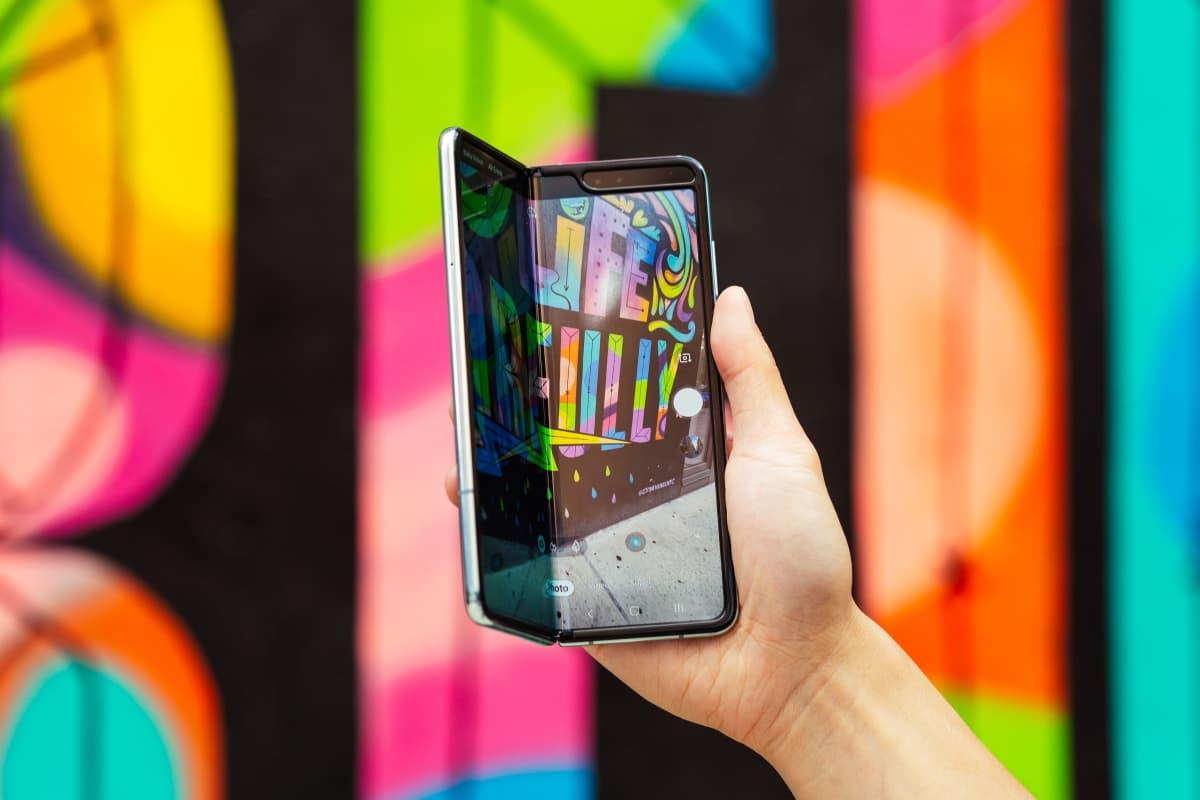 Samsung Galaxy Fold parte frontal.