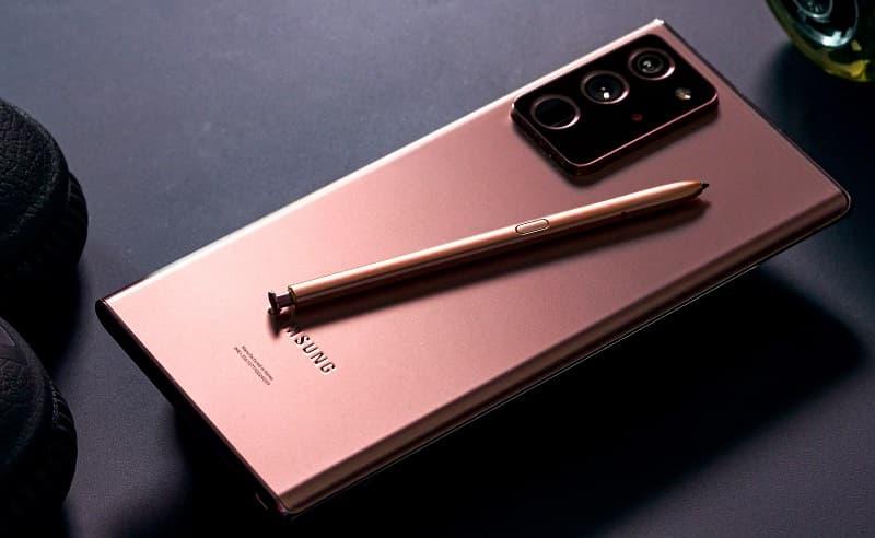 Galaxy Note 20 Ultra com a nova S Pen.