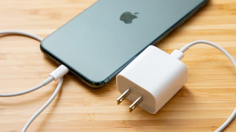 Apple iPhone 12 Pro Max sem carregador na caixa