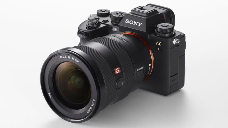 sony alpha 1 com lente